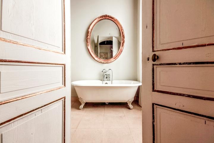 salle-de-bain-light-room