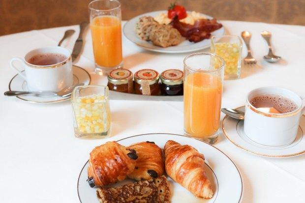 mont royal chantilly petit dejeuner - mademoiselle travel.jpg
