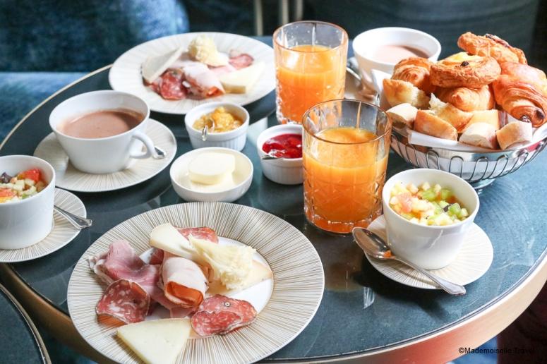 Nolinkski_breakfast_mademoiselle-travel.jpg