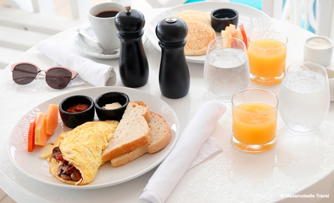 naia-resort-petit-dejeuner-mademoiselle-travel