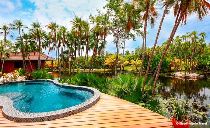 naia-resort-piscine-Spa-mademoiselle-travel