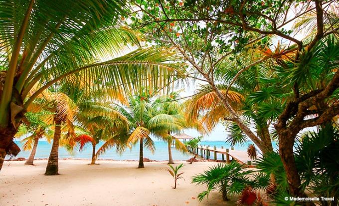 naia-resort-plage-mademoiselle-travel